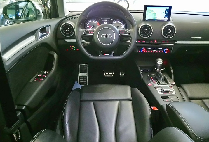 AUDI S3 Sportback 2.0 TFSI quattro S-tronic PANORAMADACH  Audi 3