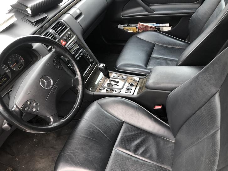 Mercedes-Benz E320 Mercedes-Benz 2