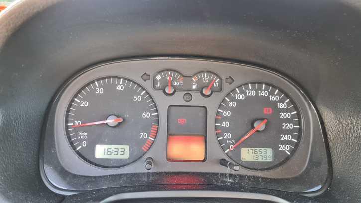 VW Golf 4.1.6l VW 4