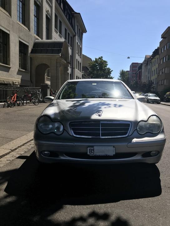 Merzedes C 240 Mercedes 1