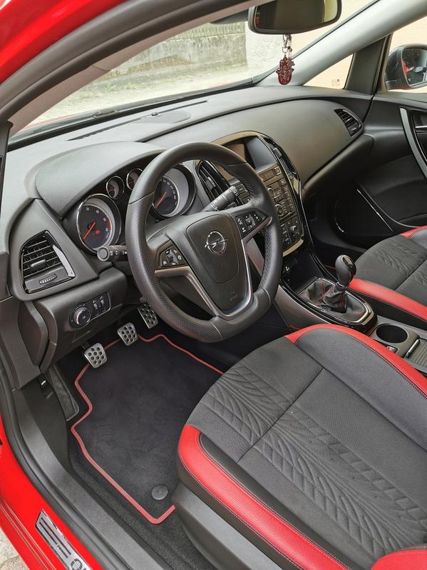 OPEL Astra SportsTourer 2.0 CDTi BiTurbo (Break) Opel 4