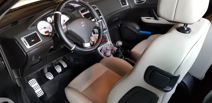 Peugeot 307cc Peugeot 4