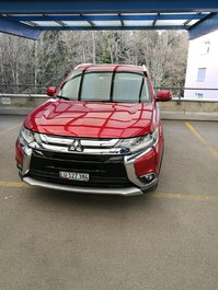 Outlander 2.2 DID Diamond 4WD Automatic (SUV / Geländewagen)
