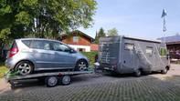 Hymer Wohnmobil mit Anhänger und Mercedes A180